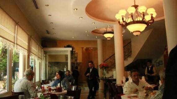 Tehran iran tour guide iran for Divan restaurant tehran